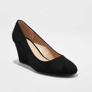 A New Day Black Round Toe Wedge Pumps